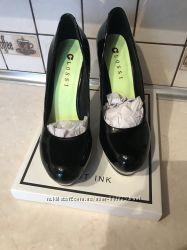 Туфли лаковые черные Glossi