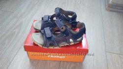 Босоножки, сандали на мальчика Froddo р. 29, стелька-19 см.