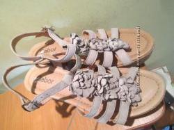 Шикарные нарядные босоножки Gabor