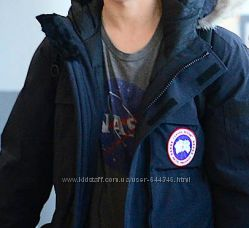 Теплющая пуховая куртка Canada goose