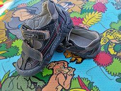Продам открытые туфли кожа стелька 15,5см