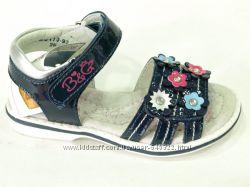 Красивые кожаные босоножки для девочки B&G, размер 26