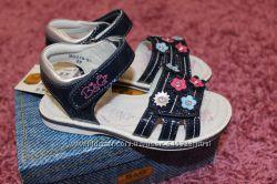 B&G, кожаные босоножки для девочки, рр 26-31