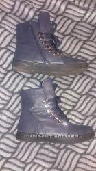 Демисезонные ботинки, легкое бу, стелька 23 см р-р 37