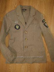 Стильный пиджачок , рост 146 см