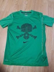 Спортивные футболки
