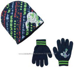 Новый комплект шапка и перчатки Toy Story. Disney. 100  акрил. 3 - 6 лет