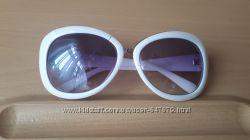 Солнцезащитные очки белые в оправе