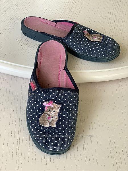 Тапочки Befado 33 размер, каблук, 21 см, закрытый носок, котик, горох