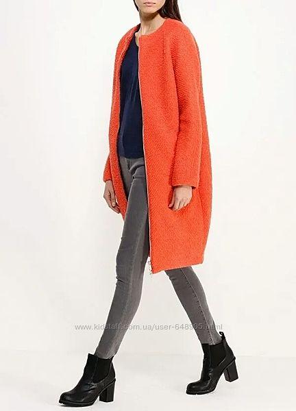 Оранжевое пальто букле шерсть oversize