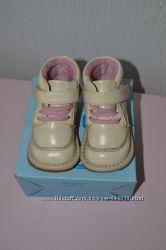 Анатомические ботиночки для первых шагов