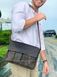 Стильная мужская сумка из натуральной кожи .