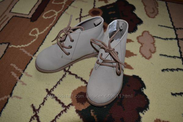 Нове взуття Gymboree