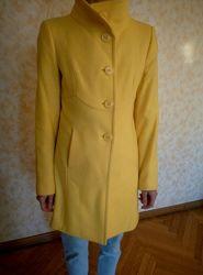 Пальто женское Benetton.