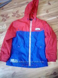 Куртка ветровка бренда TU на флисе для мальчикав, 128см, как новая.