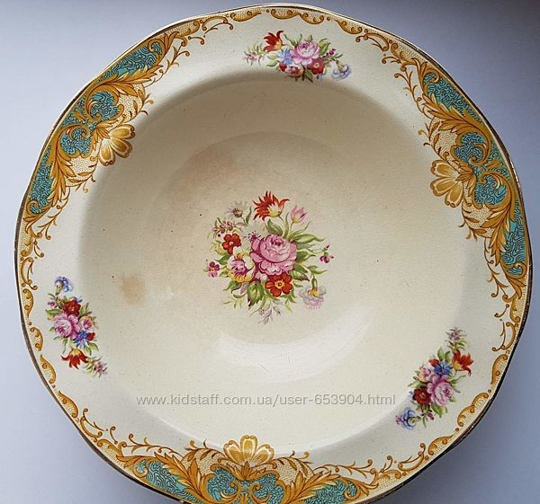 Антикварные тарелки Wedgwood.