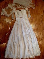 Свадебное платье, перчатки, фата, болеро бисер, жемчуг и камни Swarovski