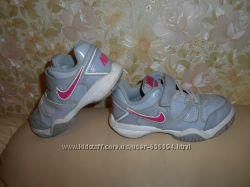 Кроссовки детские Nike оригинал, кожа, р. 29, 5 стелька 19 см.