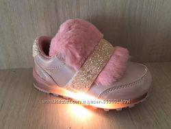 Кроссовки для девочки с подсветкой р. 20-25
