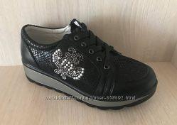 Туфли для девочки р. 33-38 маломерят B&G