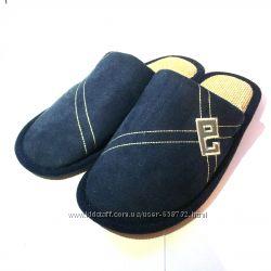 Тапочки мужские 4041 размер закрытый носок, пятнышко на тапочке