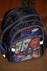Школьный рюкзак Monster Hight c ортопедической спинкой