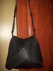Гламурная удобная кожаная сумка