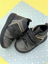Ботинки Perlina 22. 23. 24. 25. 26 размер