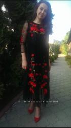 Платье в гвоздиками