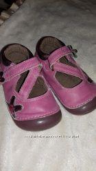 Продам туфельки mothercare 3 размер.