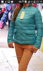 Стильна весняна курточка