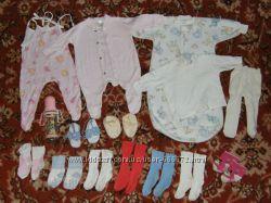 Пакет одежды девочке от 0 до 6 месяцев плюс подарки