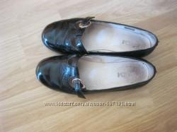 Туфли девочка, кожа - черный лак, 35р