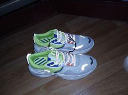 Новые рефлективные  кроссовки Bershka 41 размер