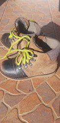 Продам ботинки UGG