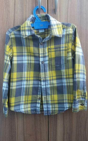 Модная рубашечка на 3-4 года Carters в идеальном состоянии