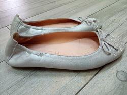 Очень красивые туфельки кожа р.35