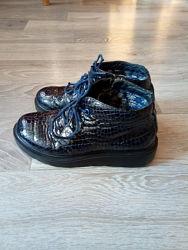 Кожаные классные ботиночки р.34
