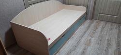 Подростковая детская кровать с выдвижными ящиками Б/У