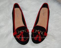 Туфли лоферы с кисточками 38 р черно красные