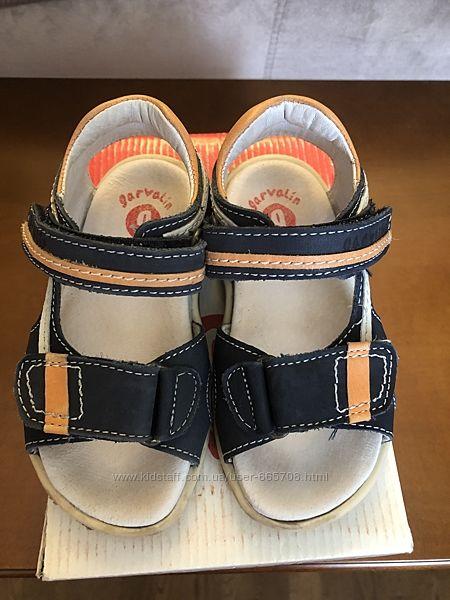 Кожаные сандали на мальчика