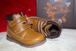 Демисезонные ботинки для мальчика бренда Сказка рр. 21 22 23 24 25
