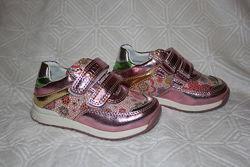 Распродажа Детские кроссовки для девочек. тм С. луч р.21-14 см