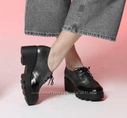 Кожаные туфли на тракторной подошве со шнурками