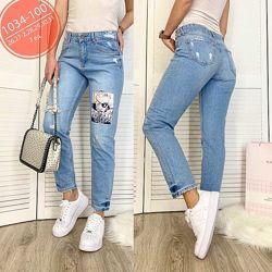 Стильный голубые турецкие джинсы с принтом,  аппликация, джинсы рваные