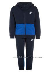 Спортивные костюмы Nike. Разные цвета.