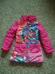 Деми куртка desigual 5-6 лет синтепон капюшон в вороте