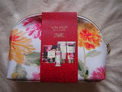 Косметичка laura ashley плотный текстиль цветы