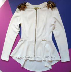 Молочного цвета жакет-блуза с погонами-шипами Vision FS. Размер S-M.
