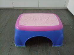 Ступенька подставка для умывальника или унитаза Nuby в отличном состоянии